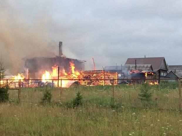 В Глазовском районе Удмуртии сгорели 2 дома