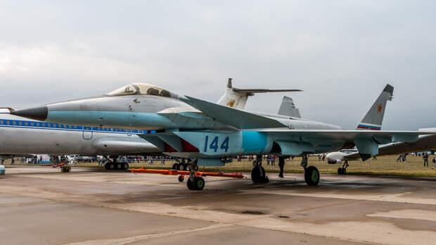 На МАКС-2019 представили истребитель МиГ-1.44 МФИ