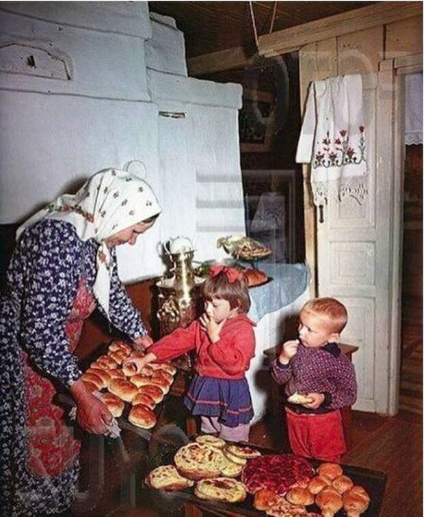 Мои две бабушки жили дружно, были подругами, пока на свет не появились внуки