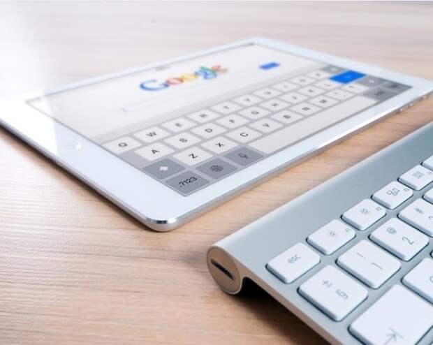 Представителей Apple и Google пригласили в Совет Федерации по вопросу о вмешательстве в выборы