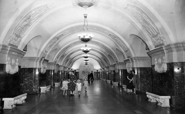 Не строили, а откапывали — какие тайны хранит московское метро.