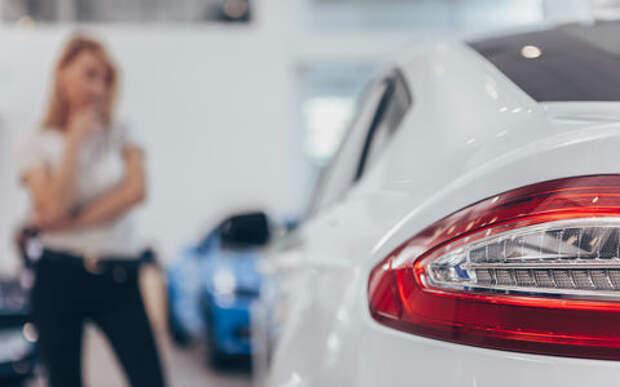 Перед Новым годом автомобили в кредит покупают на 20% чаще