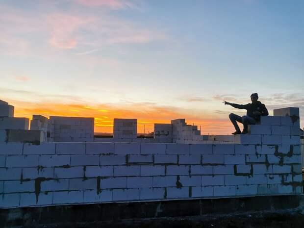 Начало строительства, дом из газобетона