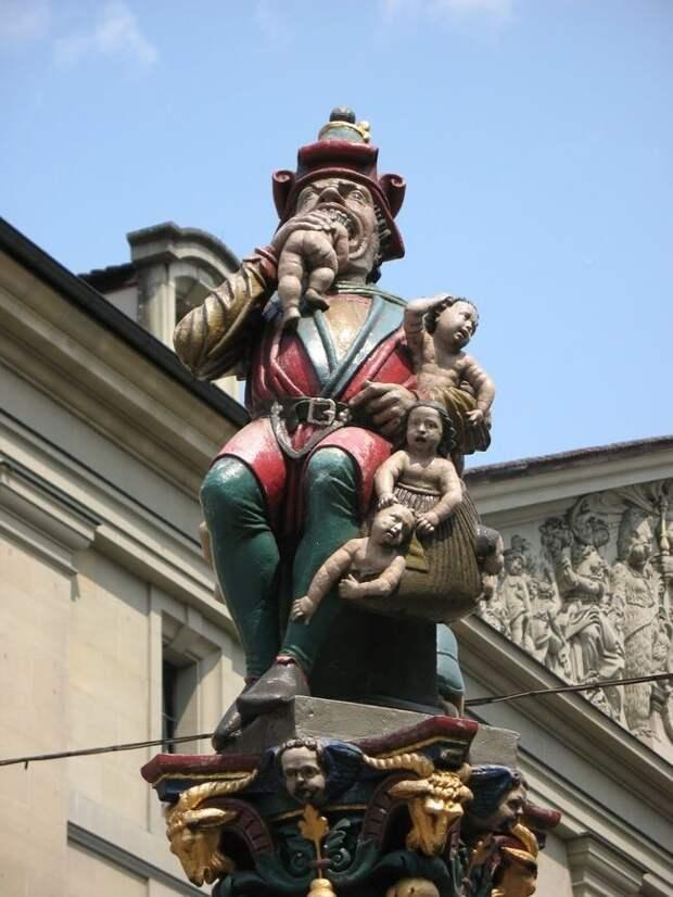 weirdstatues08 29 самых отвратительных и нелепых статуй со всего света