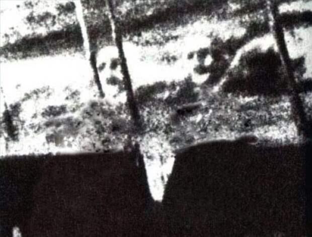 ghosts08 Реальность или дефект пленки? Самые известные фотографии призраков