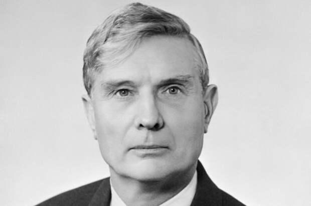 Михаил Суслов.