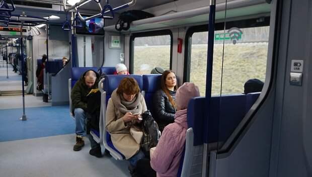 Пассажиры МЦД забывали воблу и банный веник на станциях и в поездах