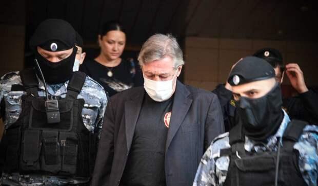 После оглашения приговора любовница Ефремова пропала без вести