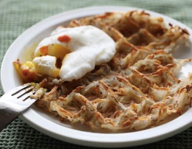 7 моментальных блюд из вафельницы на завтрак, обед и ужин