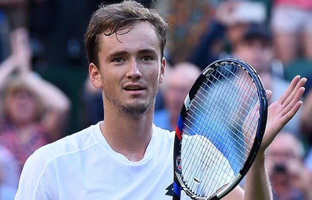 Даниил Медведев вышел в 3-й круг парижского «Мастерса»