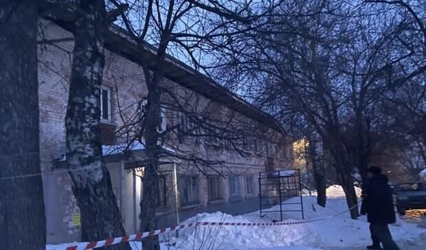 Жители дома с обрушившейся крышей в Ижевске могут вернуться в свои квартиры