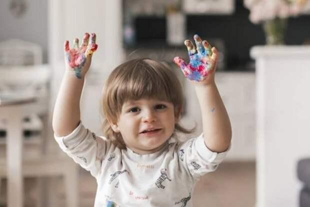 Как научить ребенка рисовать при помощи его ладоней: ТОП-4 фигуры