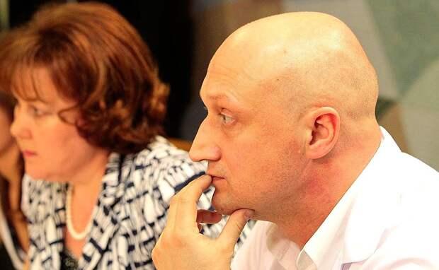 Актер Гоша Куценко ответил на обвинения в домогательствах