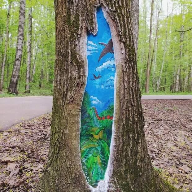В парке «Тушинский» деревья украшают рисунками