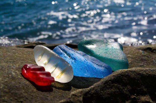 bottle-pebbles-glass-beach2