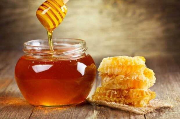 Сахарница с медом должна стоять на столе в каждой семье! Увидите, как изменятся ваши родные через год!