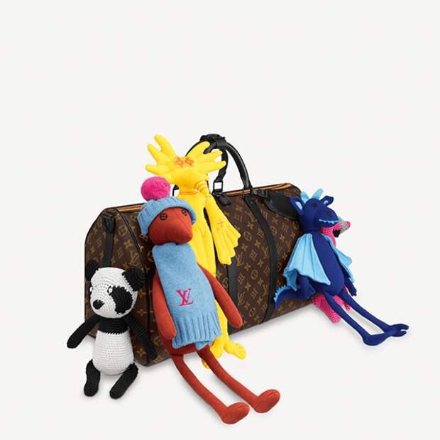 Louis Vuitton выпустил пуловер за 615 тысяч рублей, расшитый игрушками