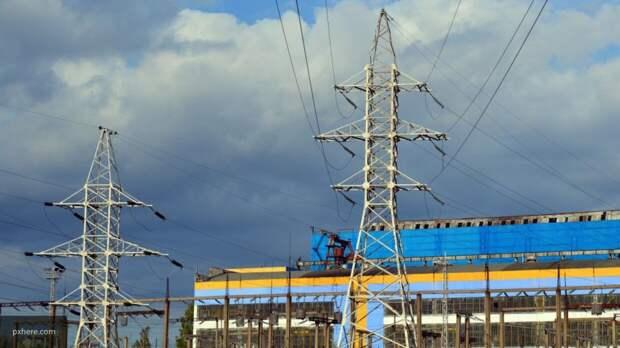 Коммунальные службы восстанавливают электроснабжение в 52 населенных пунктах на Украине