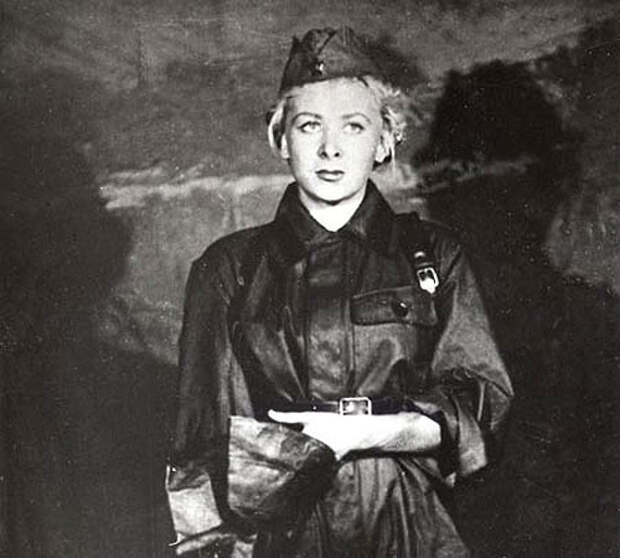 Валентина Серова (Valentina Serova) - Фронтовое фото.
