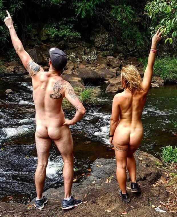 Скажи жизни «Да»: девушка из Австралии живет на полную и путешествует голышом