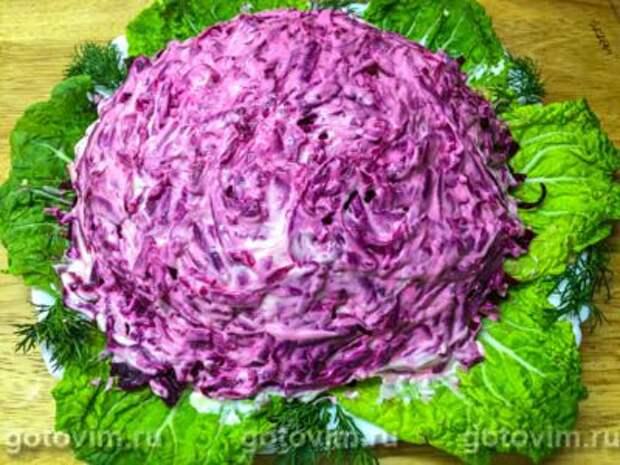Слоеный салат с курицей, вареной свеклой и гранатом, Шаг 08