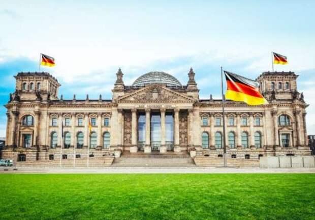 В Германии поддержали идею Путина начать «счищать политическую шелуху»