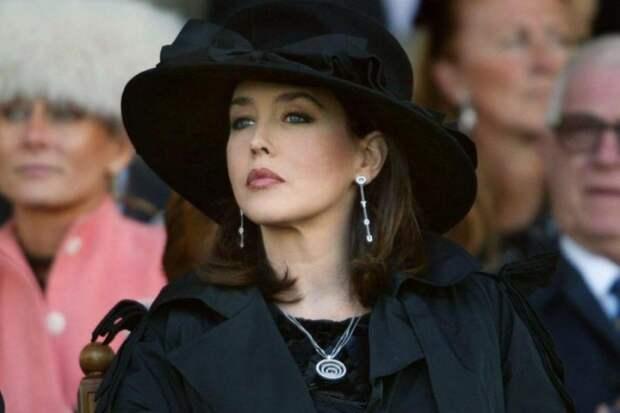 Красотой Изабель Аджани гордится Франция. Судьба красивой женщины