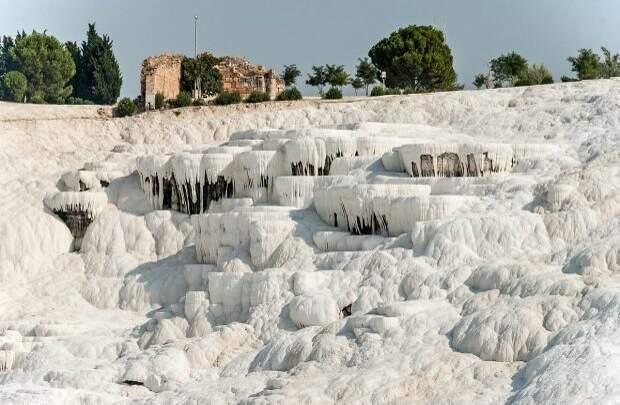 Травертиновые террасы в Памуккале, Турция