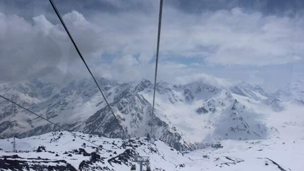 Спасатели установили смерть трех альпинистов на Эльбрусе