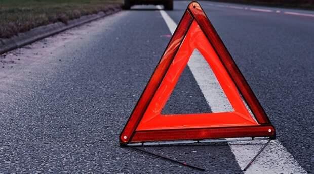 ДТП в Крыму: столкнулись автовоз и грузовик (ФОТО)