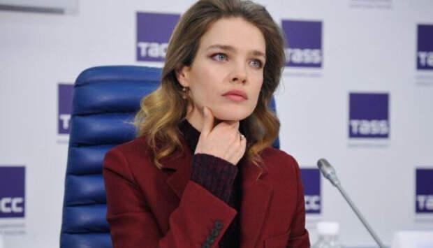 Мать Водяновой назвала причину развода модели с первым мужем