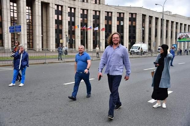 В нескольких городах России отмечены виртуальные митинги