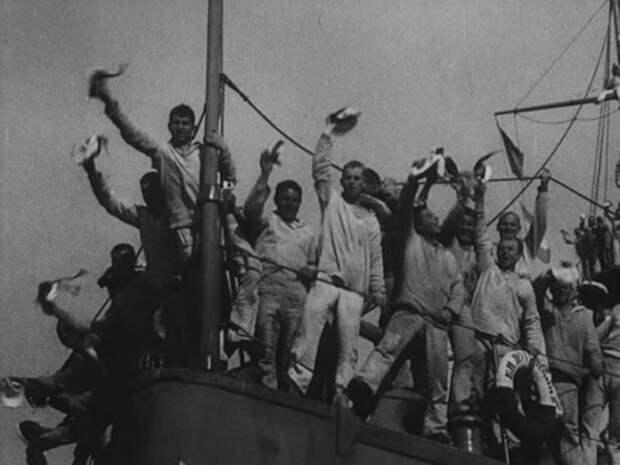 "Кадр из фильма «Броненосец ""Потёмкин""» (1925)"