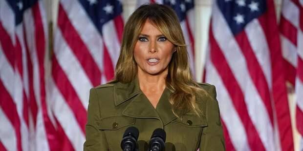 «Гестаповская мода»: наряд Мелании Трамп снова наделал много шума