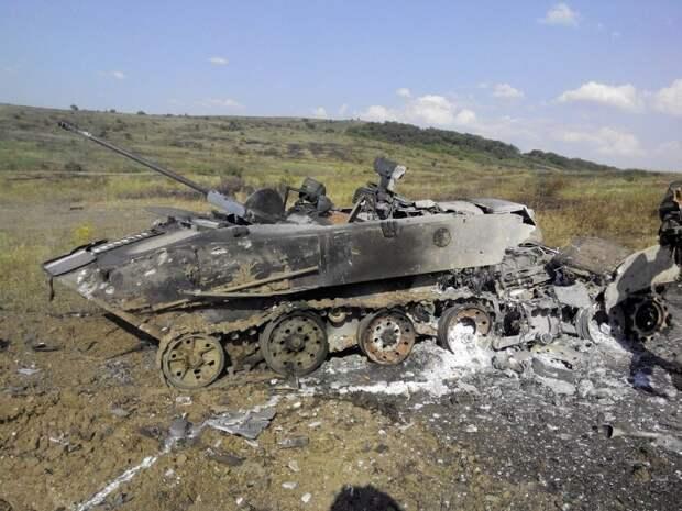 Подбитый БМД-2 результат неудачного штурма ВСУ