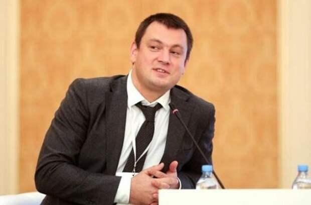 Лямец заявил, что Киев уже давно распродал всю украинскую землю