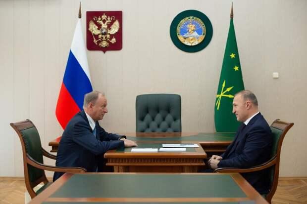 В Майкопе прошла рабочая встреча секретаря Совбеза РФ и главы Адыгеи