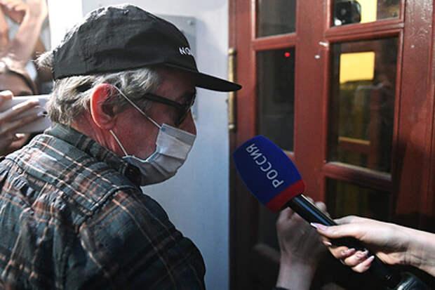 Полицейские попросили у Ефремова автограф в ночь смертельного ДТП