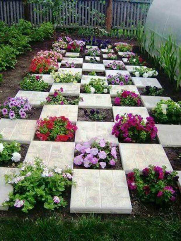 Шахматная доска из цветов. | Фото: Pinterest.