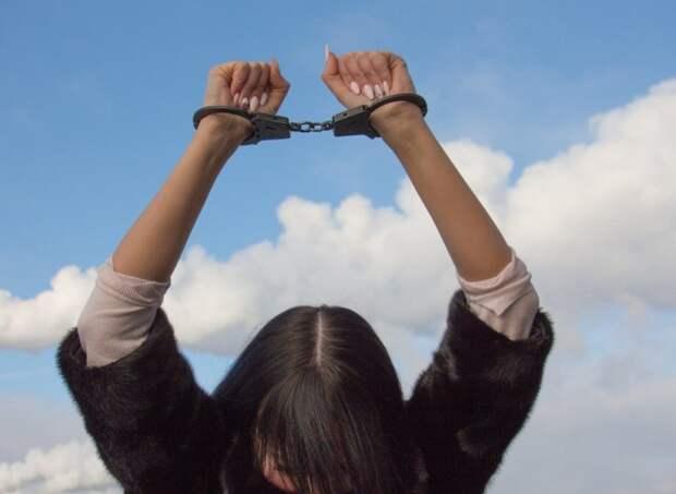 Суд продлил запрет определенных действий сестрам Хачатурян на два месяца
