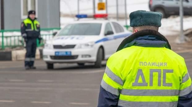 Водителям напомнили об ответственности за автомобильные шторки