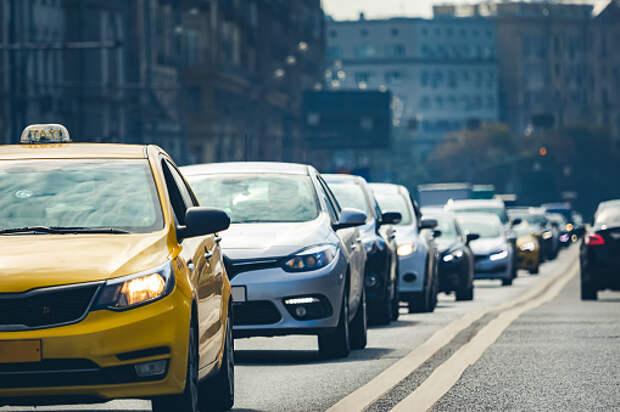 Пассажиры такси в Южном Медведкове за месяц совершили свыше 60 тысяч поездок