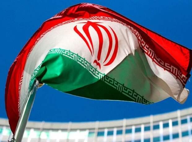 Иран просит у РФ 2 млрд долларов на энергетику и железные дороги