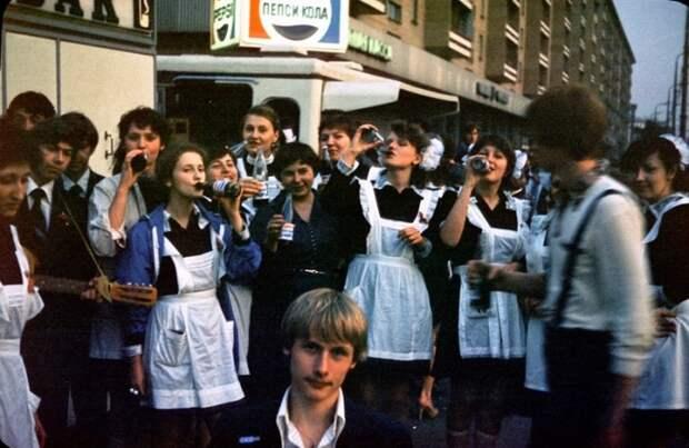 Москва 1980-х годов: атмосферные фотографии, сделанные неизвестным фотографом во время пребывания в СССР