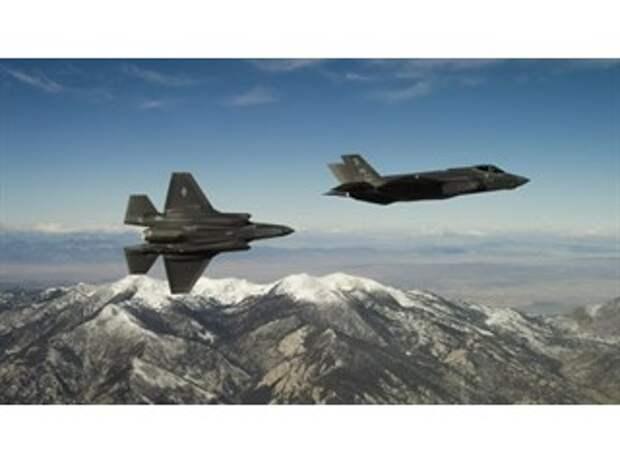 """""""Такого еще не было"""": зачем США перебрасывают ударную авиацию на Аляску"""