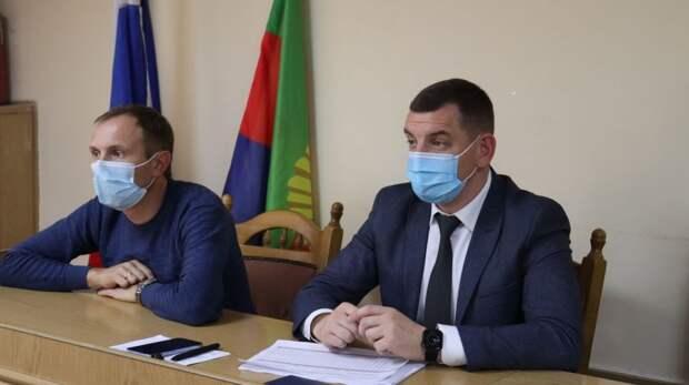 Сергей Колганов и Евгений Радионов обсудили с главами администраций сельских поселений вопросы, возникающие в рамках реализации Закона 518-ФЗ