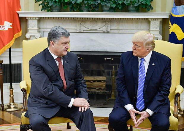 Журавко: Порошенко пинком выгнали за забор резиденции Трампа