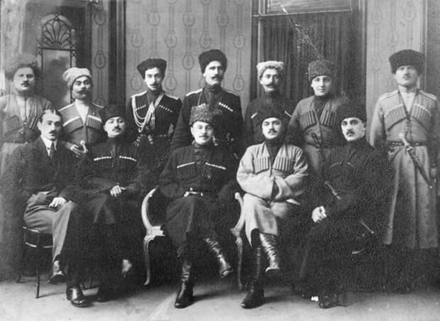 Зачем кавказским мужчинам и казакам нужны были ЭТИ нашивки? (ФОТО)