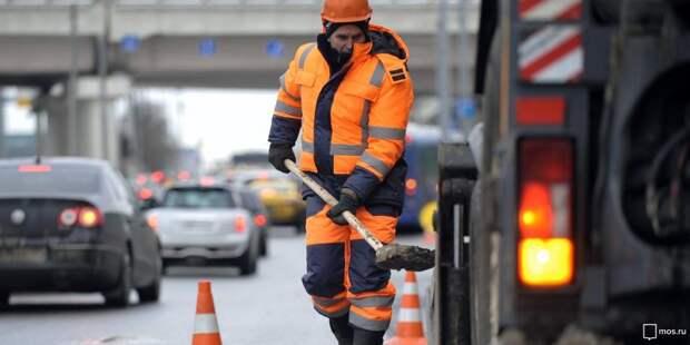 В 1-м Хорошевском проезде провели локальный ремонт