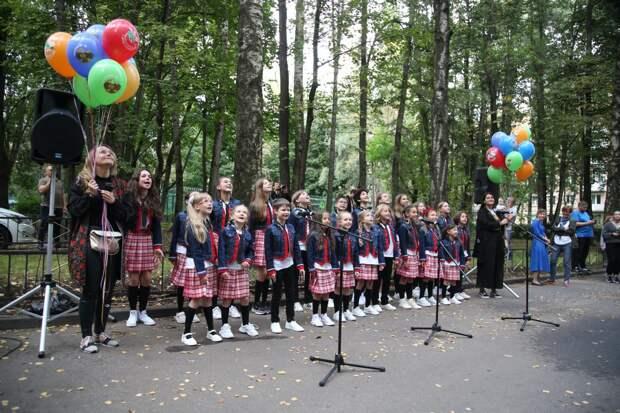 Дети исполнили для именинника песню «День Рождения»/ Роман Балаев